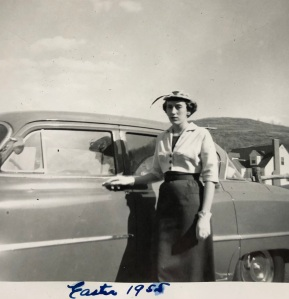 06 Mom 05 car and hat Easter 1955